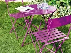 Petite Télé Pas Cher : petite table de jardin pas cher table de jardin en bois ~ Dailycaller-alerts.com Idées de Décoration