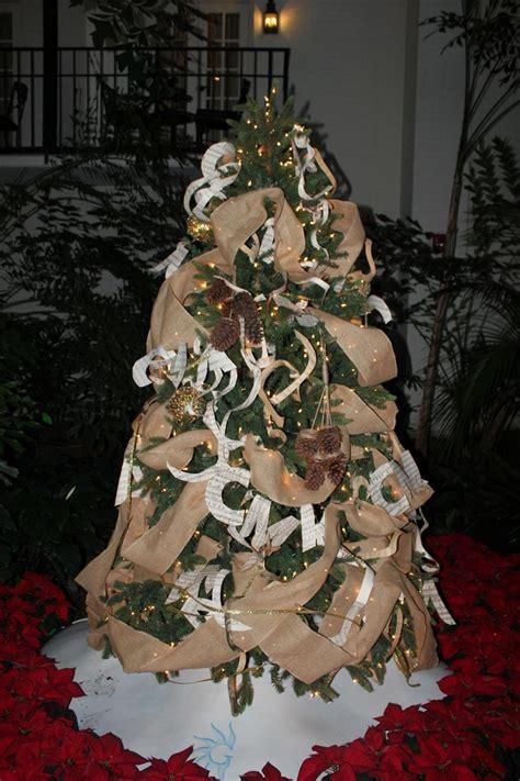 como adornar un arbol de navidad de papel arbol de navidad 50 ideas preciosas para decorar