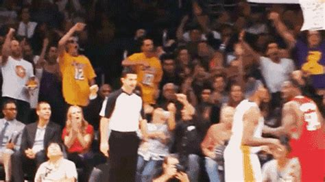 best gifts for lakers fans the 39 lakers bros 39 fans whose hilarious reaction to their