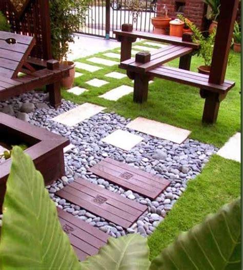 foto gambar kreasi taman kecil depan rumah minimalis