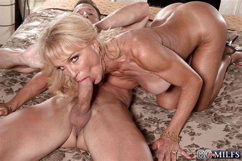 Buxom Blonde Granny Cara Reid Giving Bj Before Hardcore