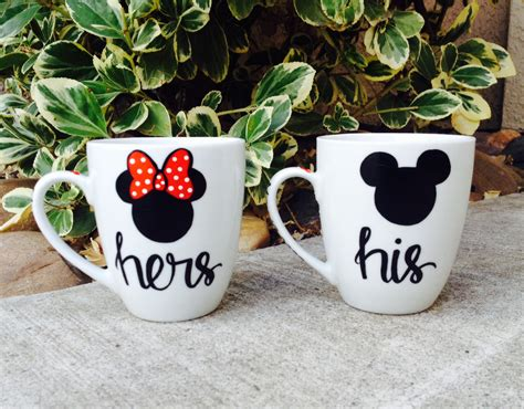 His and Hers mugs // Mickey and Minnie mouse // Couples