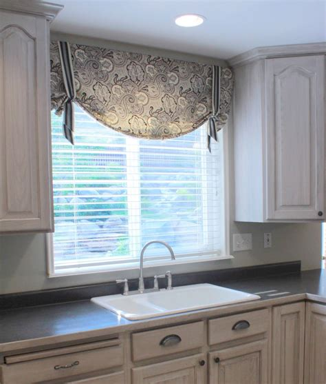 Kitchen Valance by Kitchen Valance Patterns Kitchen Valance Ideas Floral