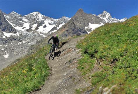 tour du mont blanc vtt voyages sejours vtt alpes chamonix suisse italie