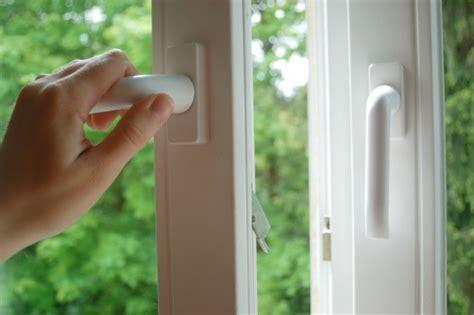 Wohnungsluft Zu Trocken by Kunststofffenster Vielf 228 Ltig Sicher H 252 Llenkremer Aachen