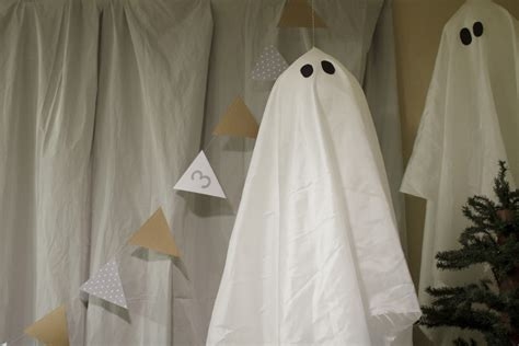 ghost decorations country ghost party decor food table paging supermom