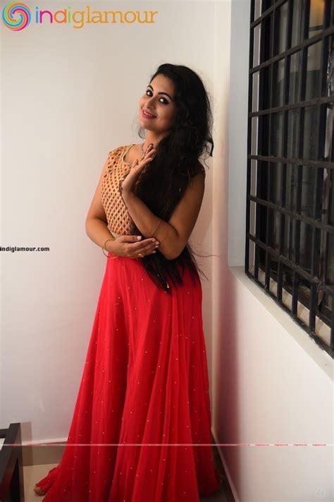 actress lakshmi latest news actress sruthi lakshmi latest photos actress sruthi