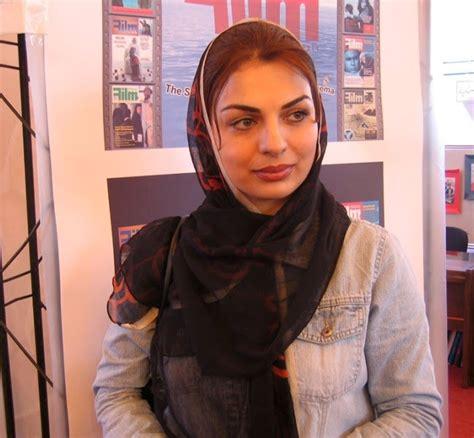 Uae Exibition Attending Egypt Women