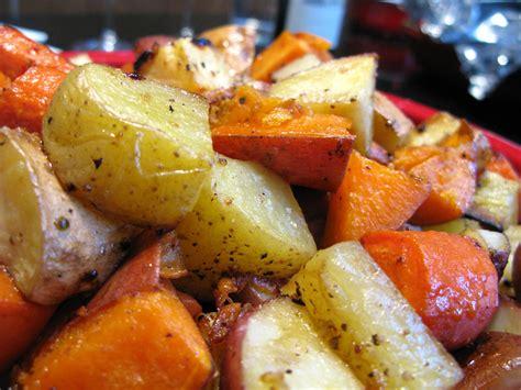 36 ways to make the best vegetarian christmas dinner ever. Christmas Dinner: Roasted Vegetables | Flickr - Photo Sharing!