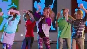 Chuck E Cheese Charts Chuck E Cheese 39 S Tv Spot 39 Bailar El Chuck E 39 Spanish