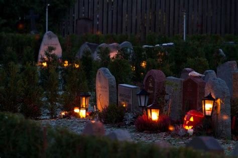 scary halloween lighting ideas