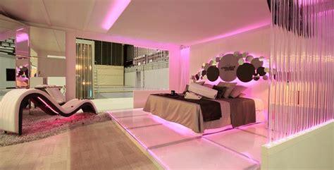 pretty  pink bedroom designs page
