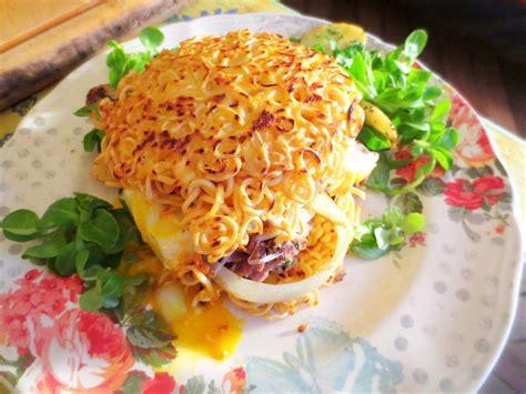 ramen burger de canard et pommes de terre salardaises je