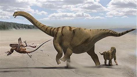 Un Dinosaurio Saurópodo Apodado «muslos De Trueno»