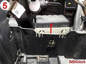 Batterie Peugeot 207 : changer le bo tier d eau thermostat peugeot 207 1 6 vti tuto ~ Medecine-chirurgie-esthetiques.com Avis de Voitures