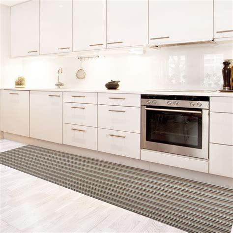 cuisine couloir tapis de cuisine vinyle hydrofuge antidérapant sur