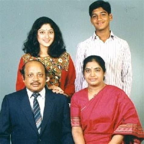 actress jyothi lakshmi biography lakshmi gopalaswamy family childhood photos celebrity