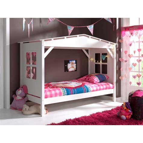 accessoire bureau original lit forme maison blanc en bois massif pour chambre enfant