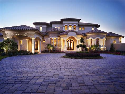 Exterior : 30 Classy Mediterranean House Exterior Design Ideas #18142