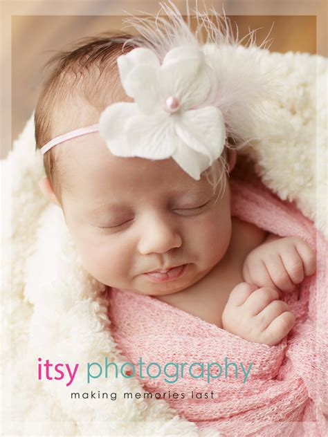 month  baby posing ideas