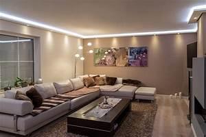 Wohnzimmer Indirekte Beleuchtung : stuckleisten lichtprofil f r indirekte led beleuchtung von wand und decke stuckleiste aus ~ Sanjose-hotels-ca.com Haus und Dekorationen