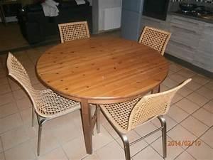 Table Chaise Ikea : latest table et chaises ikea meubles with table chaises ikea ~ Teatrodelosmanantiales.com Idées de Décoration