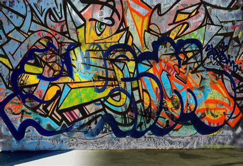 Graffiti Wall : How To Create A Graffiti Effect In Adobe Photoshop
