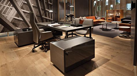 Poltrona Frau Office : Poltrona Frau At The Orgatec Fair Of Cologne