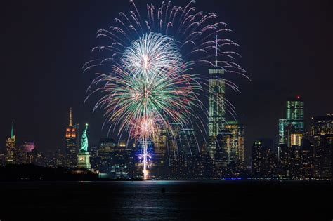 5 Nye Cruises In Nyc To Ring In 2018
