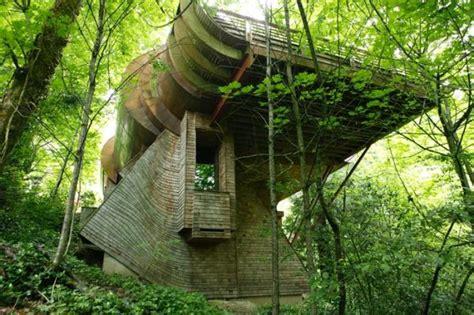 top  unusual homes   world