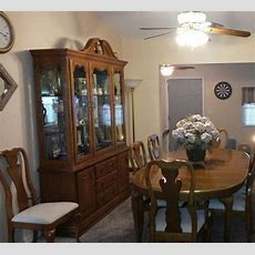 Oak Dining Room Set Has 12 Pieces  Tablechairs And