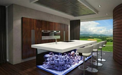 wundervolles kuechendesign mit aquarium das den ozean mit