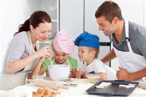 cuisine pour famille nombreuse apprenez à cuisiner en famille grâce à un cours de cuisine