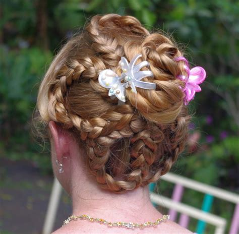 We collected the best haircuts in this stunning guide to help you look pretty in 2017. Braids & Hairstyles for Super Long Hair: Flower Updo~ Easter 2013