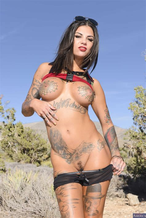 Bonnie Rotten Is Posing In The Nature Photos Karlo