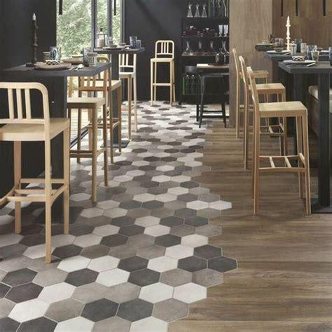 parquet dans la cuisine peindre carrelage au sol 12 le duo carrelage hexagonal