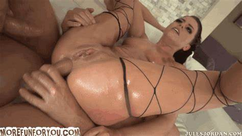 Grand Vixen Helps Me To Penetration adriana