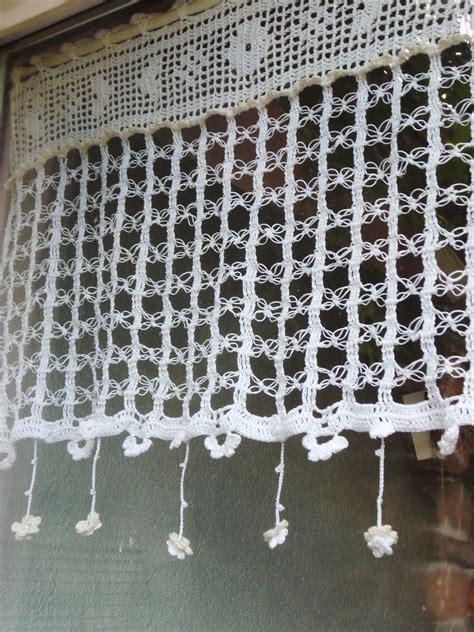 rideau crochet fait finesse des boucles et pluie de petites fleurs textiles et tapis par