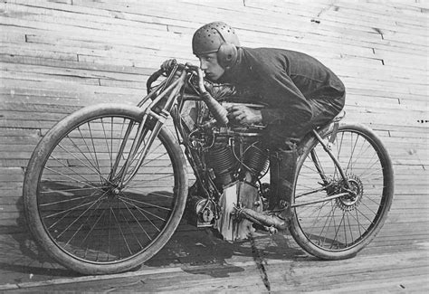 Condon Skelly  Classic Motorcycle Archives  Condon Skelly