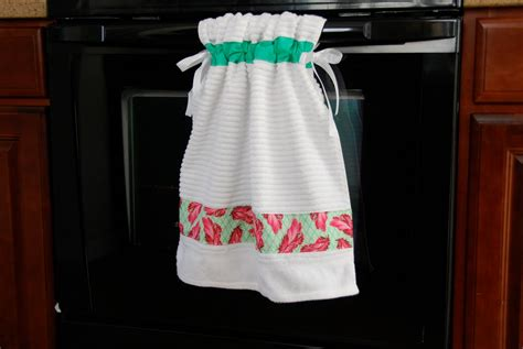 Kitchen Towel by Pin Sew Press Tutorial Stay Put Kitchen Towel