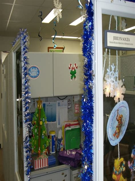 Top Office Christmas Decorating Ideas  Christmas. Christmas Yard Decorations Images. Outdoor Christmas Decorations Ideas On A Budget. Spotlight Christmas Decorations. Christmas Decorations For Office Doors. German Christmas Ornaments Pickle. Christmas Tree Decorations Patterns Free. Christmas Decorations For Inside. Animated Elf And Stocking Outdoor Christmas Decorating With Rope Lights