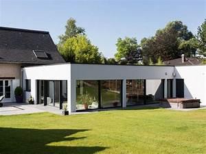 magnifique extension bois avec piscine interieure maison With idee maison plain pied 8 agrandissement et extension de maison