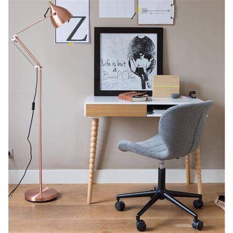 quel tapis avec canapé gris chaise de bureau confortable zuiver quot omg quot