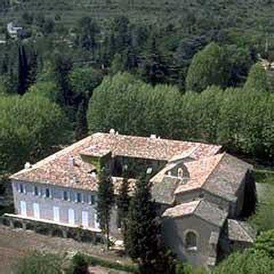 cuisiner un chapon farci vins de provence le château sainte roselyne