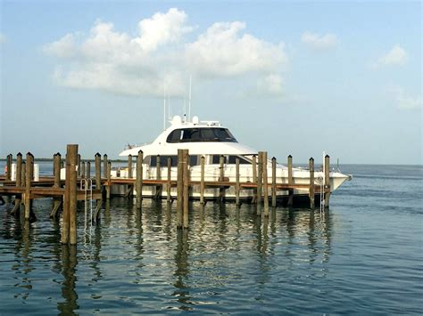 Boat Rentals Fort Myers Area by Boat Rentals Fort Myers Vs Chartering A Yacht Fort Myers