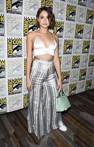 Willa Holland - Arrow Presentation at 2017 Comic-Con -01 ...