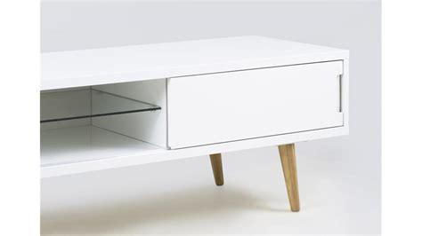 tv tisch weiß hochglanz tv tisch elise lowboard wei 223 hochglanz lack mit glasboden