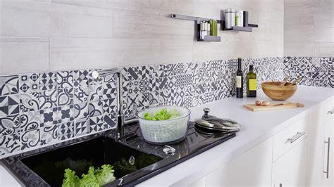 peinture pour faience de cuisine carrelage mural de cuisine comment faire le bon choix