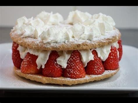 gateau aux fraises facile  joli pour la fete des meres