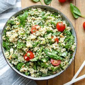 Spinat Als Salat : quinoa salat mit spinat feta rezept einfach gesund elle republic ~ Orissabook.com Haus und Dekorationen